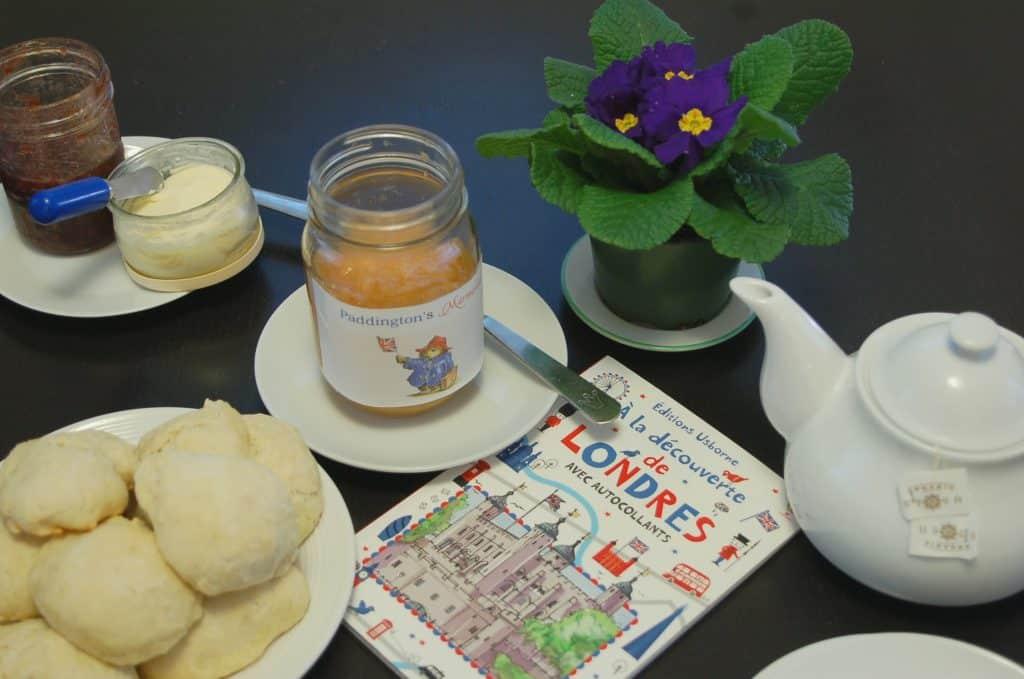 Ours Paddington - scones et marmelade maison