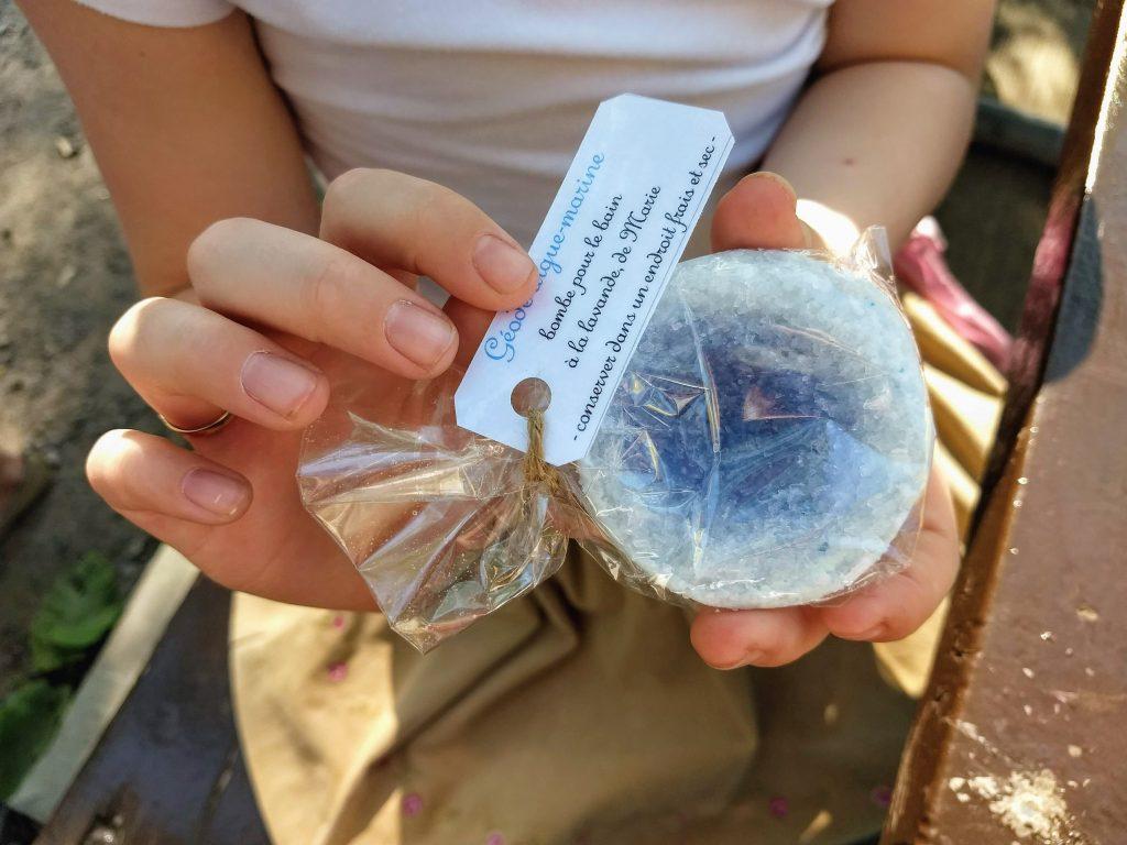 Bombe pour le bain geode aigue marine