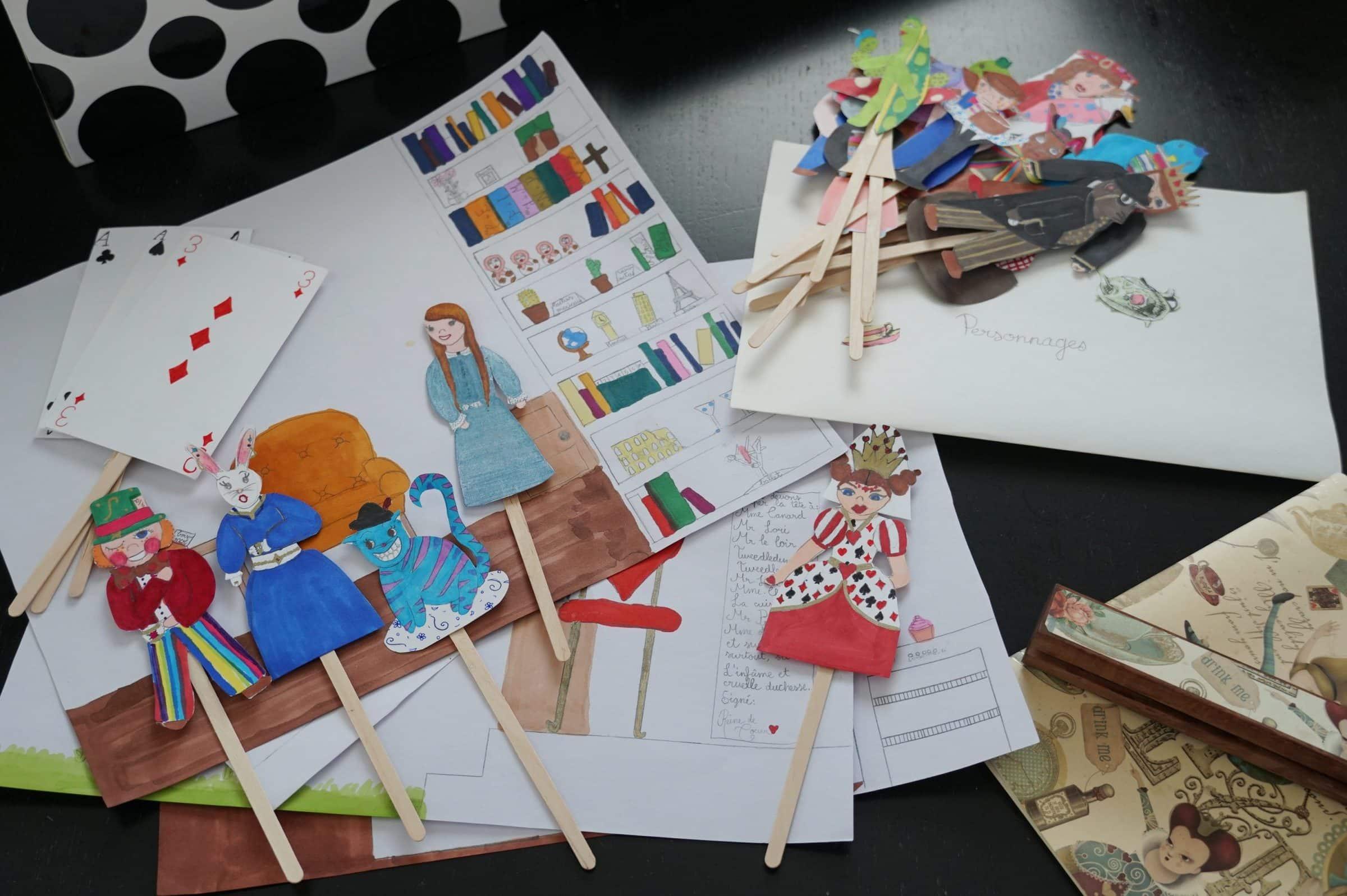 Kit théâtre marionnettes Alice au pays des merveilles copyright crapaud-chameau.com
